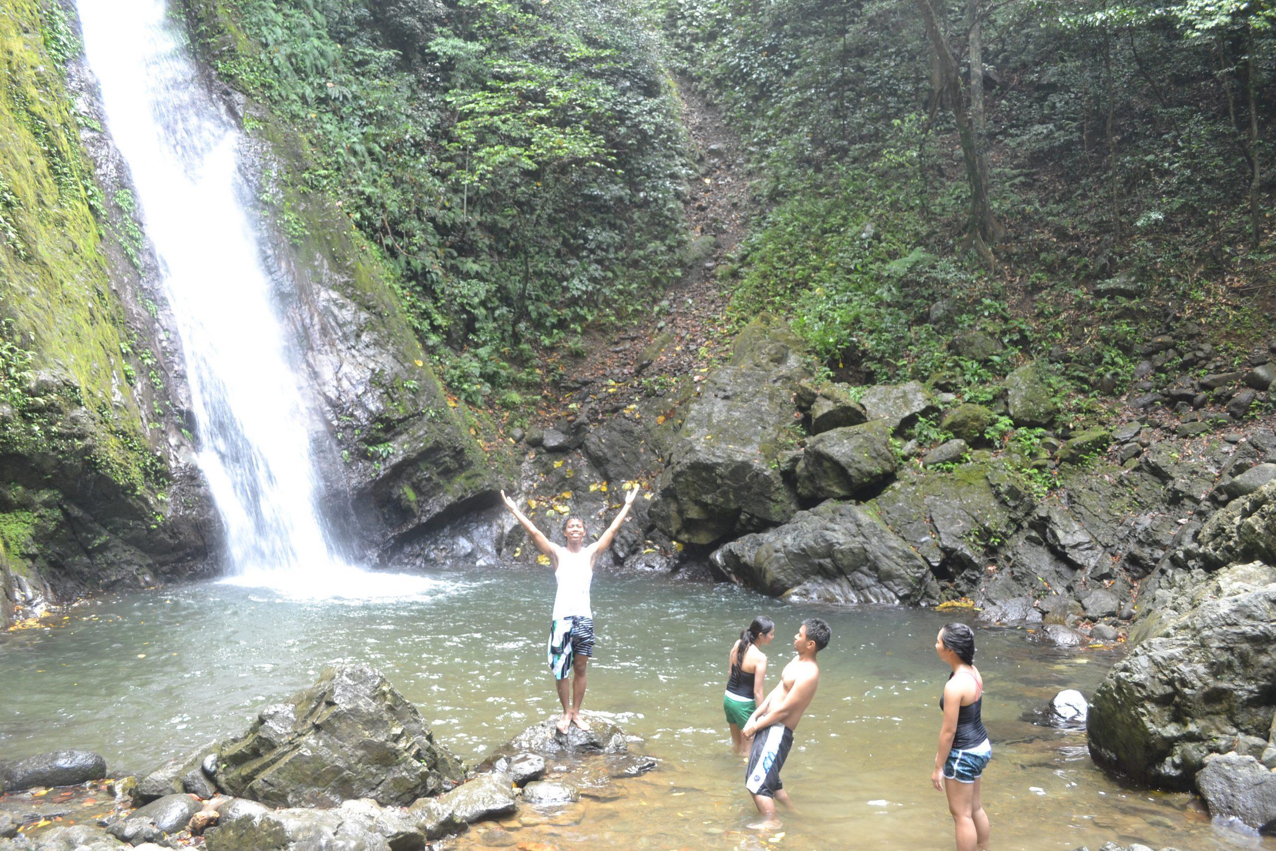 ilocos-norte-kabigan-falls-coffeehan (1)