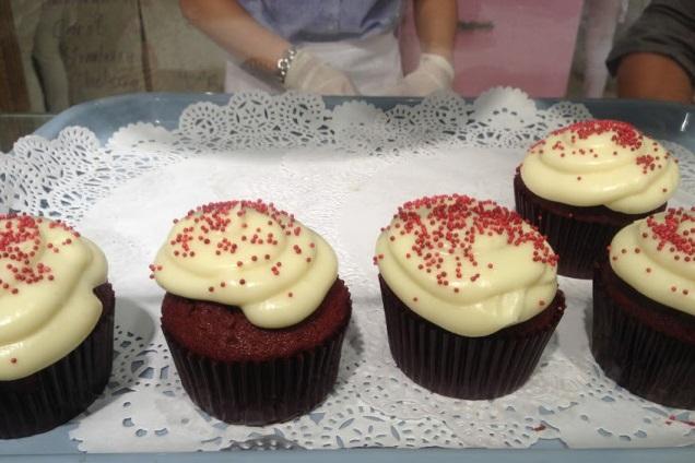 vanilla-cupcake-bakery (2)