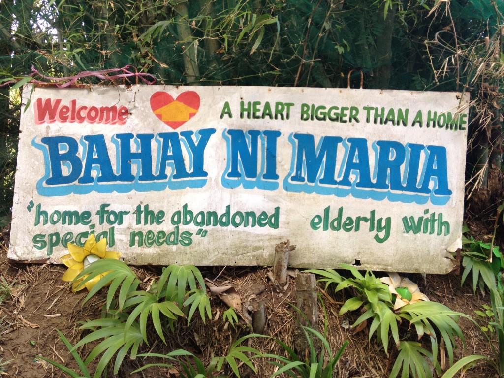 pbo-gives-love-to-the-grannies-of-bahay-ni-maria (5)