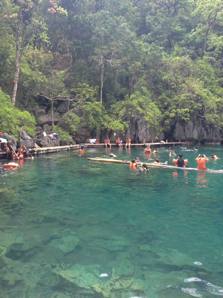 travel-guide-to-coron-palawan-kayangan-lake (2)