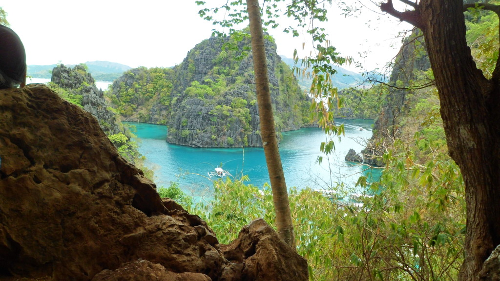 travel-guide-to-coron-palawan-kayangan-lake (4)
