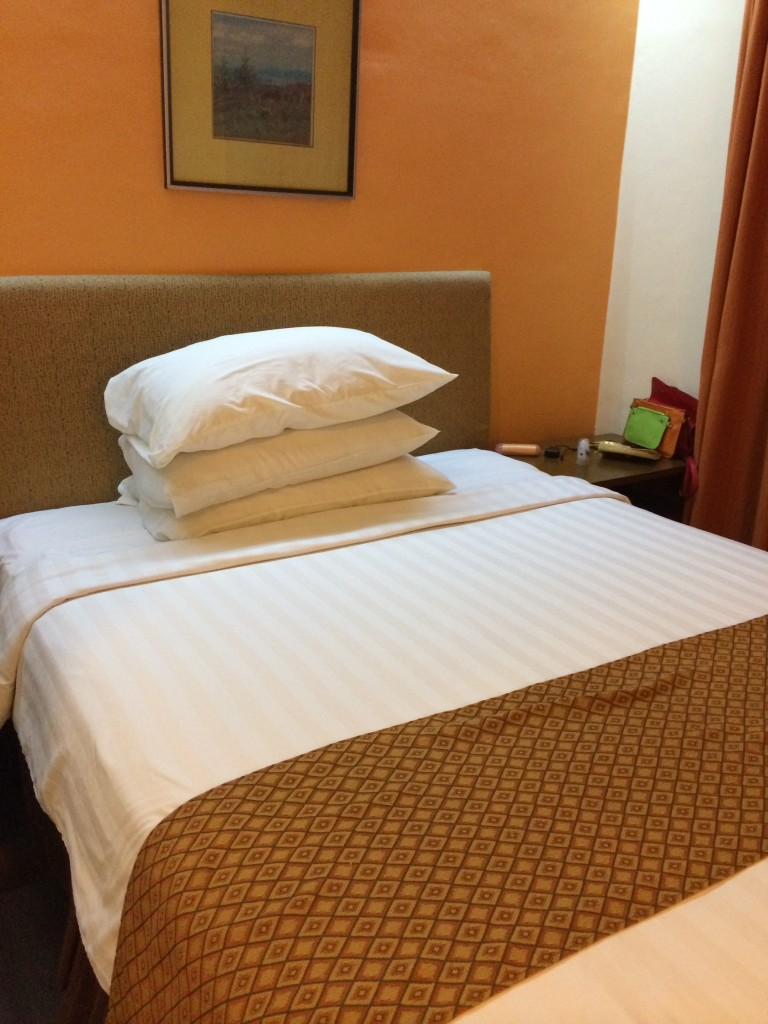 crown-regency-hotel-makati-coffeehan (6)