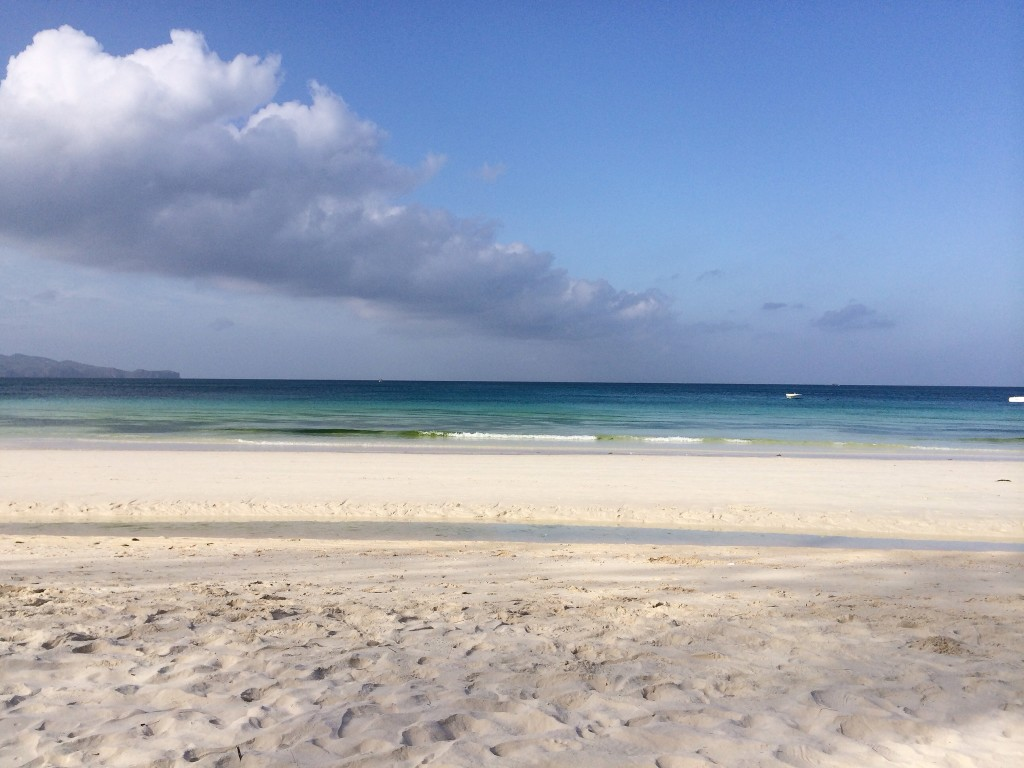 some-days-in-paradise-white-beach-coffeehan (2)