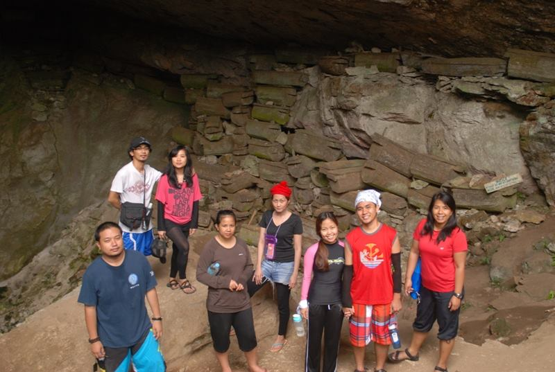 the-caves-in-sagada-mountain-province-lumiang-coffeehan (2)