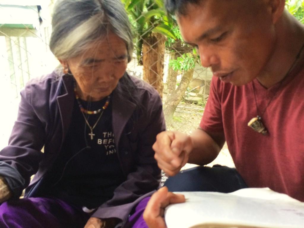 the-legendary-mambabatok-of-kalinga-apo-whang-od-coffeehan (3)