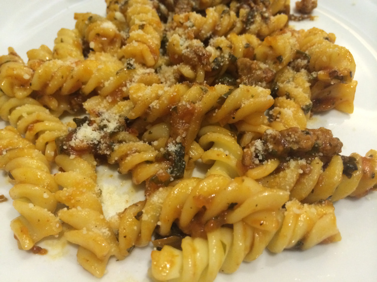 satinka-naturals-meat-and-tomato-sauce-with-pasta-coffeehan