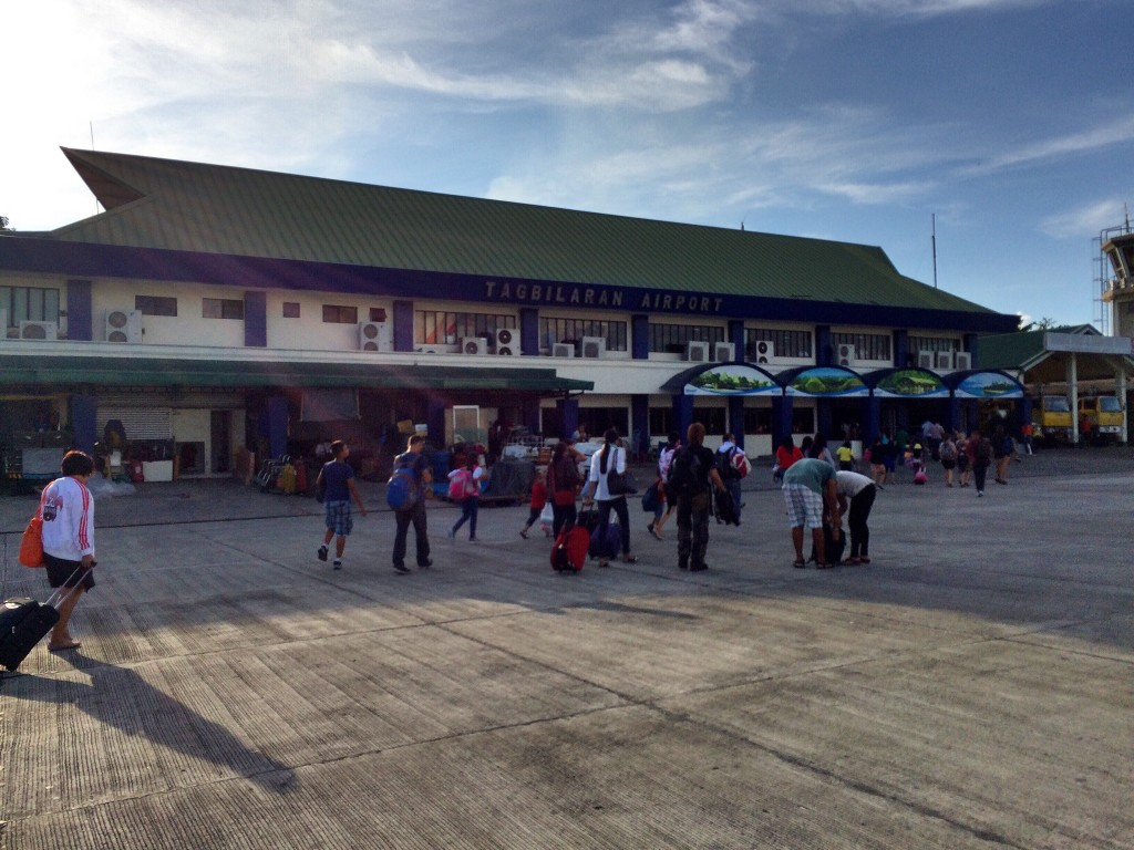 quick-guide-to-bohol-bohol-python-and-wildlife-airport-coffeehan (1)