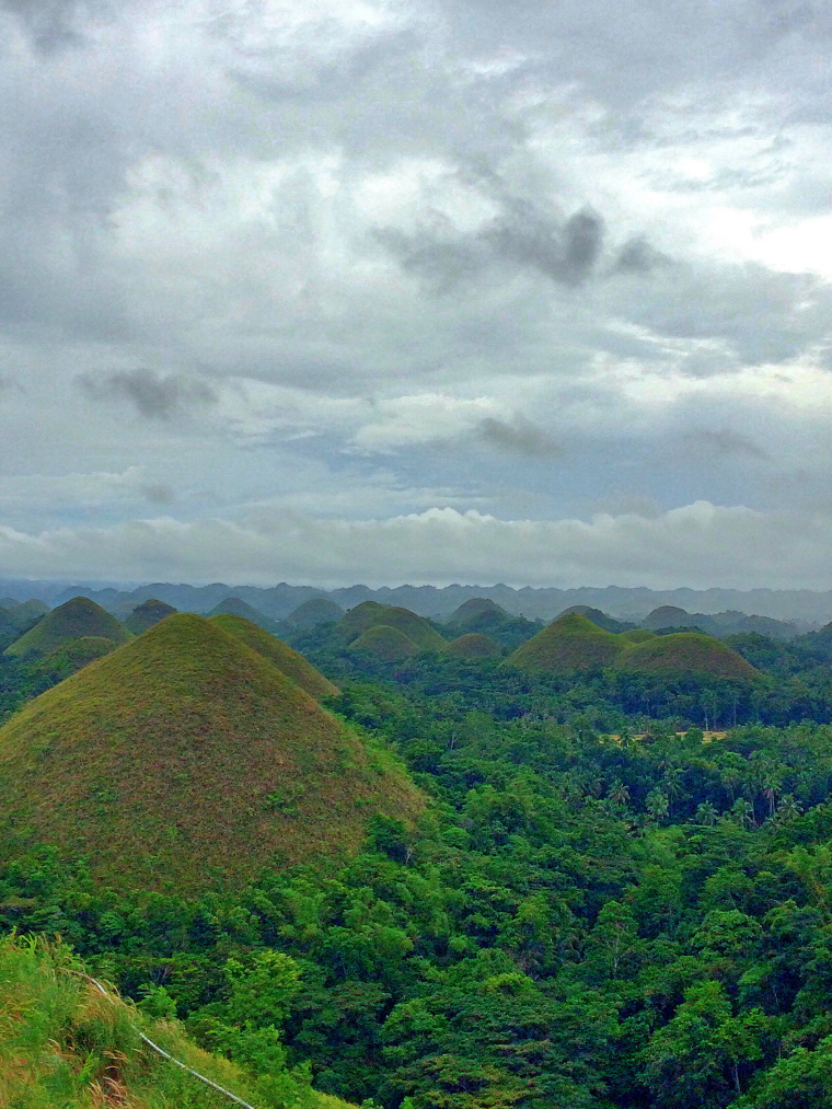 quick-guide-to-bohol-chocolate-hills-coffeehan (1)