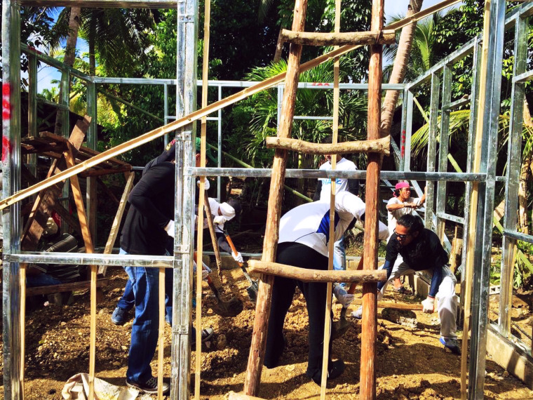 rebuild-bohol-habitat-for-humanity-henkel-coffeehan- (6)