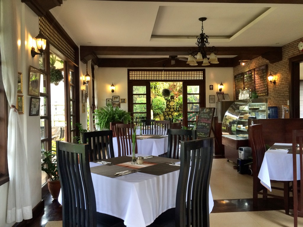 7-best-things-i-found-in-tagaytay-la-carmencita-coffeehan