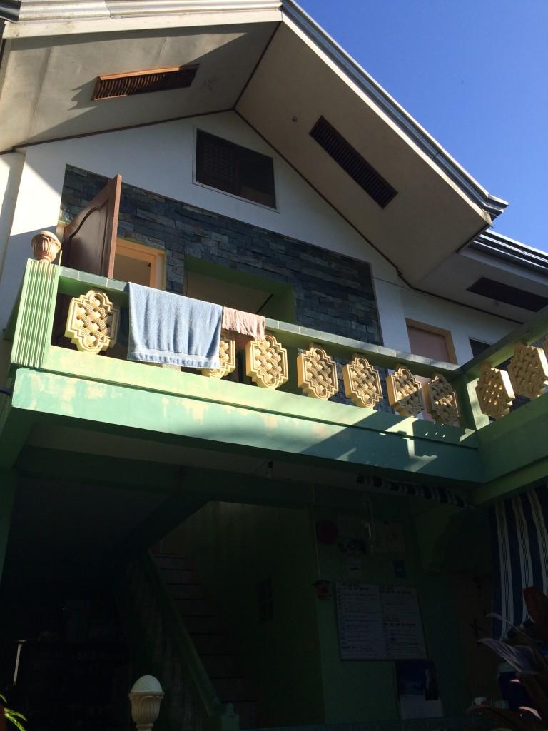 cheap-accommodation-in-boracay-through-air-bnb-coffeehan (1)