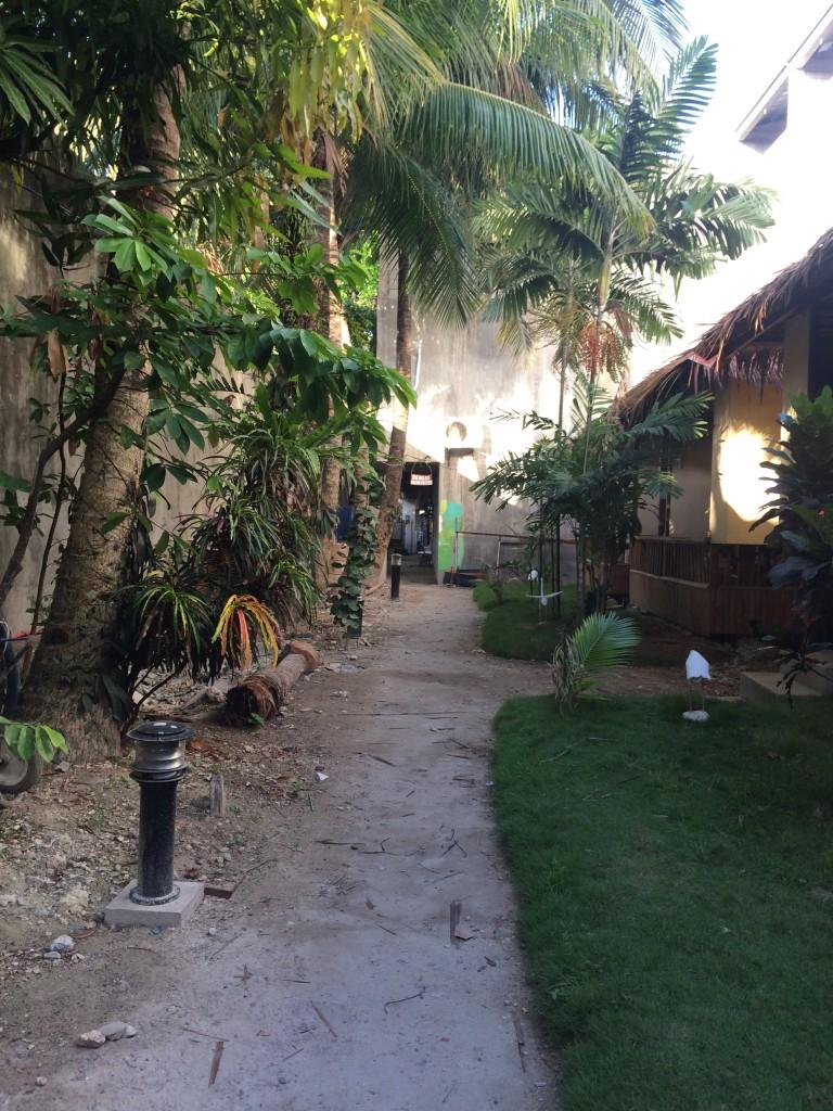 cheap-accommodation-in-boracay-through-air-bnb-coffeehan (6)