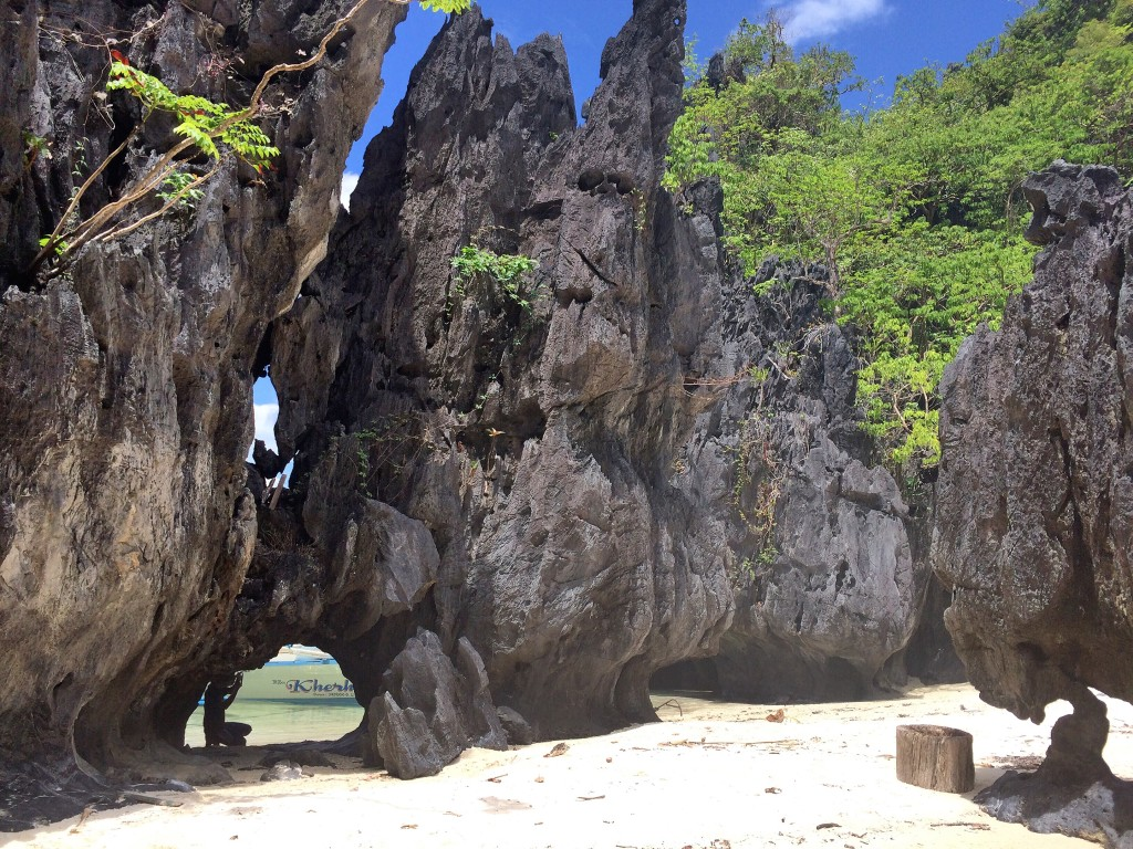 what-to-expect-on-tour-a-in-el-nido-palawan-payong-payong (3)