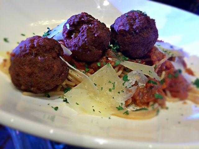 hotel-rembrandt-spaghetti-meatballs-coffeehan