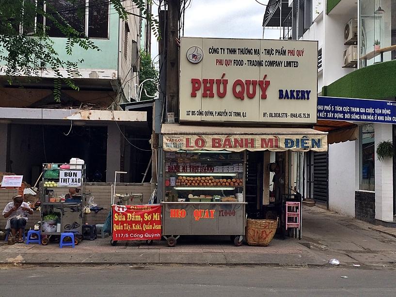banh-mi-phu-quy-vietnamese-cuisine-coffeehan