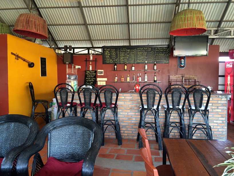 cambodia-luxury-concept-hostel-rooftop-bar-coffeehan