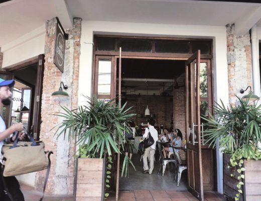 cafe-central-pub-street