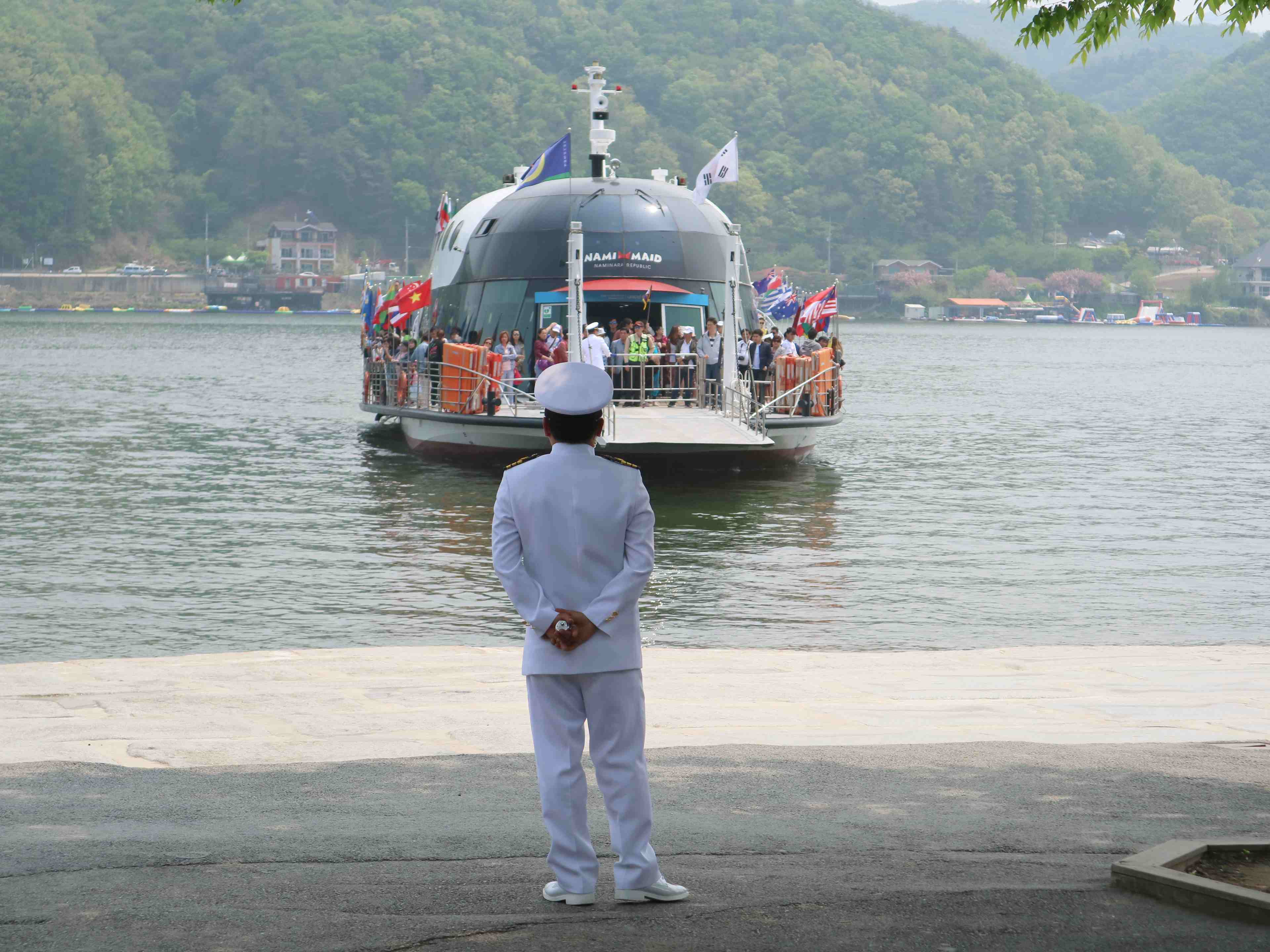 nami-island-south-korea-ferry-coffeehan