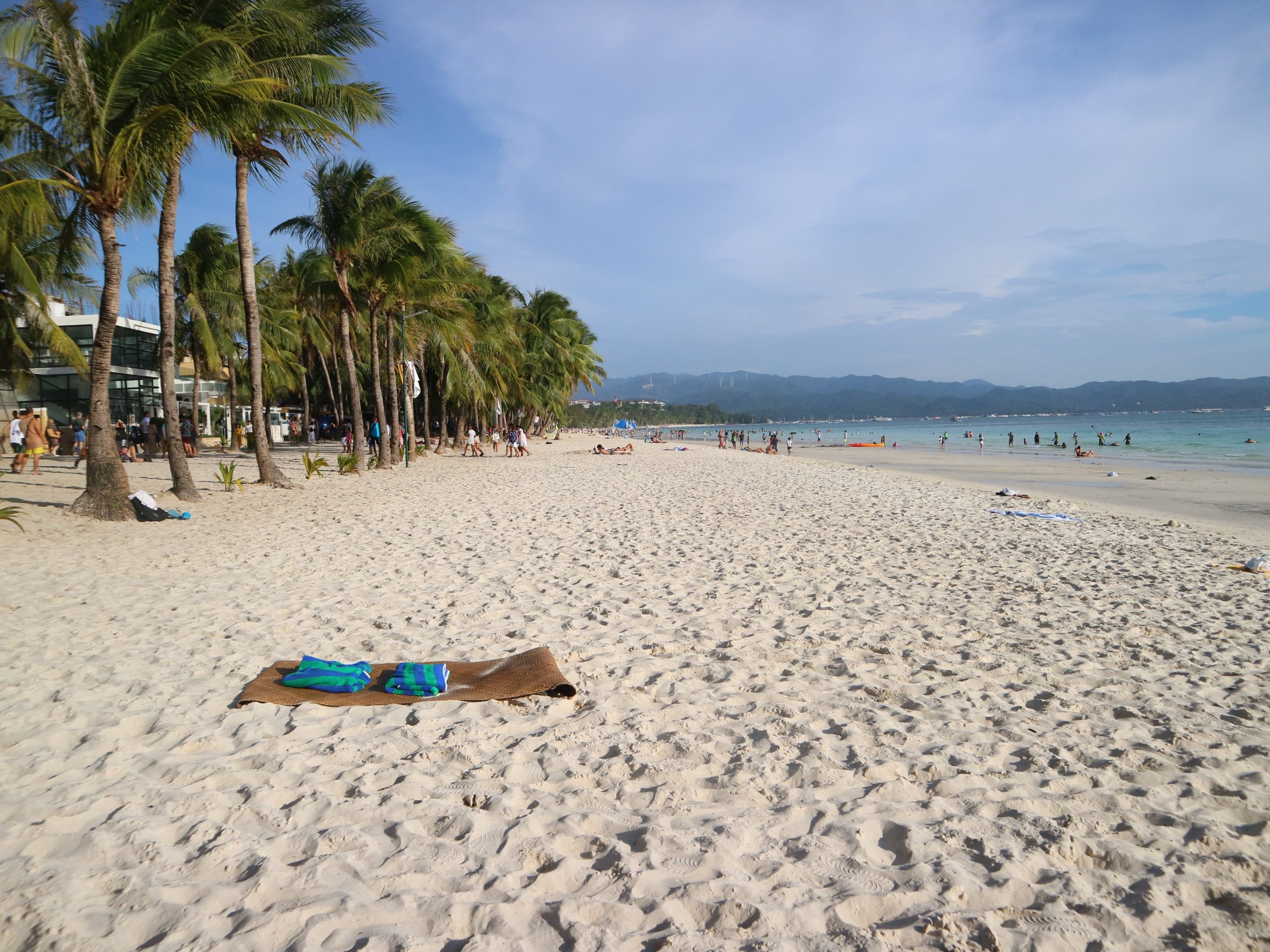 new-boracay-white-beach-coffeehan (1)