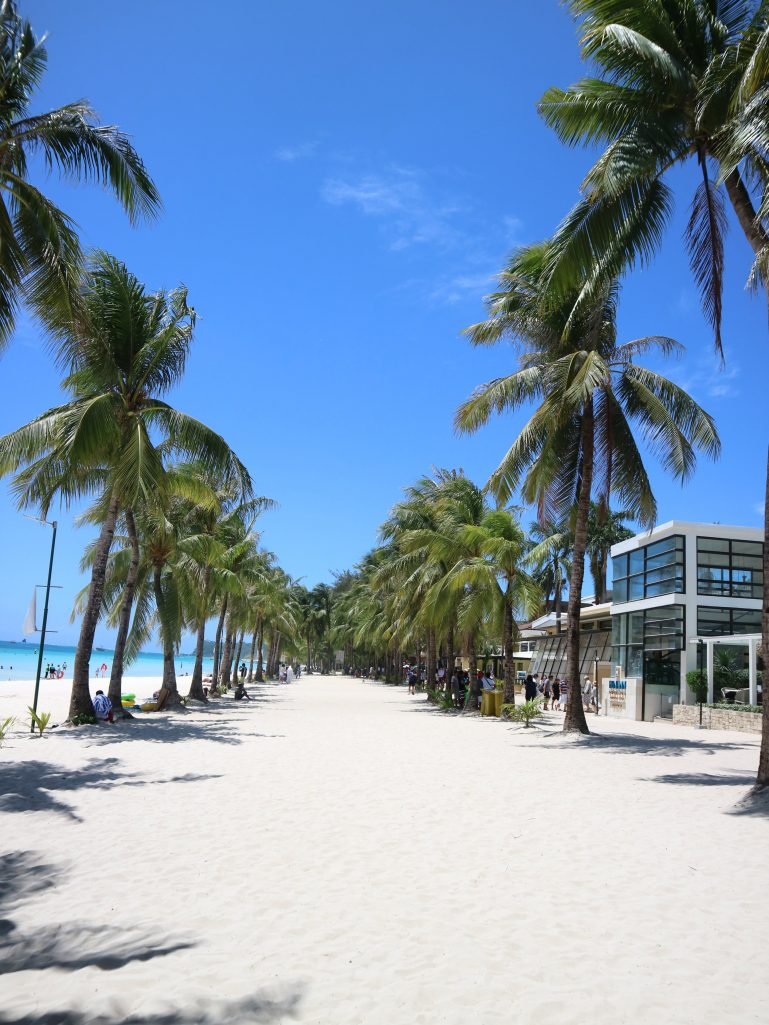 new-boracay-white-beach-coffeehan (2)